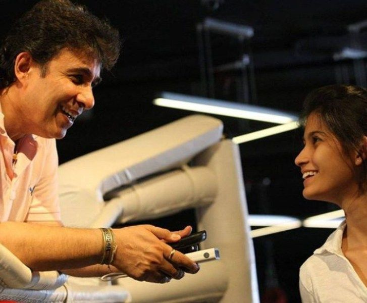 Deepak Tijori with his Daughter