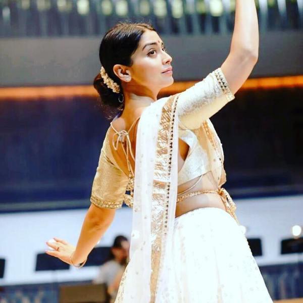 Shriya Saran Performing Kathak