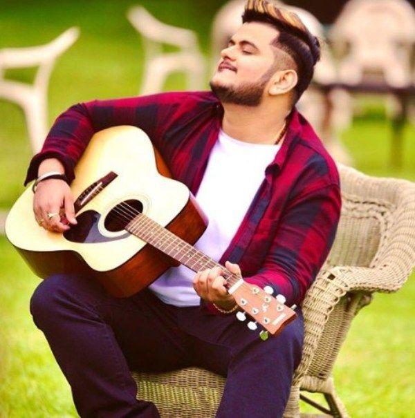 Vishal Mishra Playing Guitar